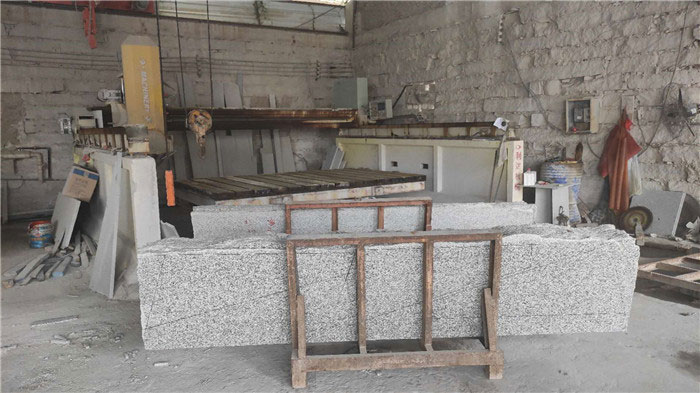 Cutting to Slabs
